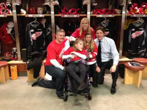 The Strange family meets Red Wings head coach Mike Babcock. (Facebook photo)