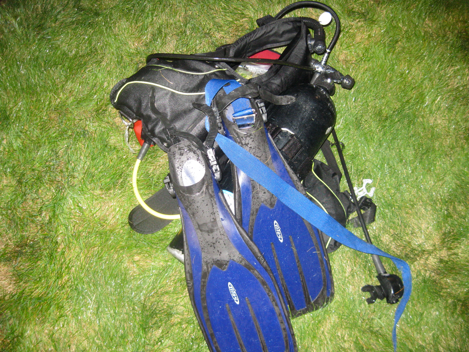 A Canadian man used this scuba gear to smuggle more than 8 pounds of marijuana into Michigan. (Credit: U.S. Border Patrol)