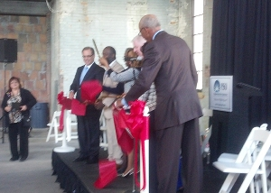 Mayor Dave Bing cuts the ribbon at the Bell building. (credit: Ron Dewey/WWJ)