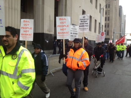 Protesters outside Detroit federal court. (credit: Vickie  Thomas/WWJ)
