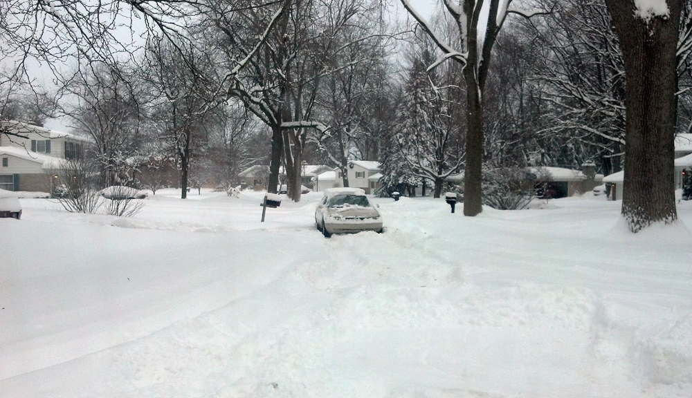How Much Snow Did Your Neighborhood Get Side Streets A Mess Monday Morning Cbs Detroit Free radar and satellite images. how much snow did your neighborhood get