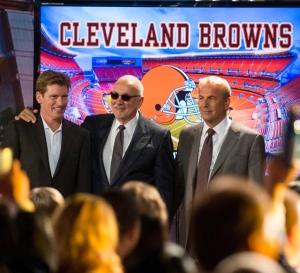 DENIS LEARY, FRANK LANGELLA and KEVIN COSTNER star in DRAFT DAY.  Photo: Dale Robinette