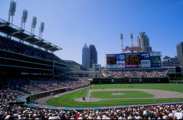 12 Jul 1998:  General view of a game between the Minnesota Twins and the Cleveland Indians at Jacobs Field in Cleveland, Ohio.  The Twins defeated the Indians 11-6.
