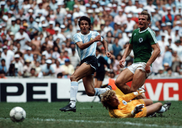MEXICO CITY, MEXICO - JUNE 29: Jose Burruchaga of Argentina scores the third goal for Argentina during the World Cup final match between Argentina and Germany on June 29, 1986 in Mexico City, Mexico.