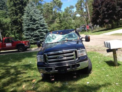 Jerry Burns' Ford pickup is likely totaled.  (credit: Sandra McNeil/WWJ)