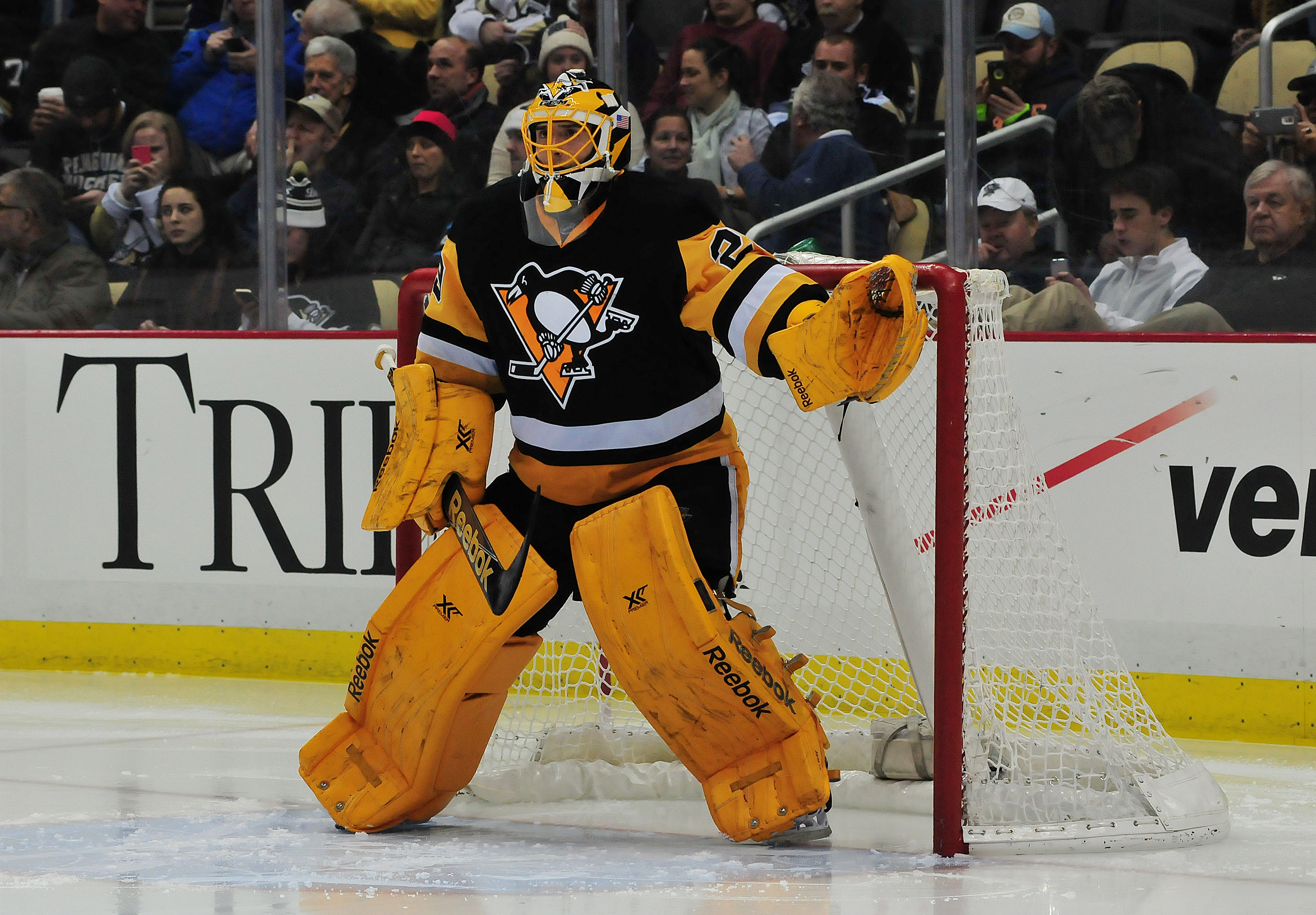 Marc Andre Fleury Cut In Throat By Skate Video Cbs Detroit