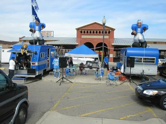 Extreme Lions Tailgate Package RV/Trailer Pops Up On