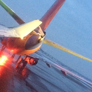 2 Planes Collide On Taxiway At Detroit Metro Airport [PHOTOS