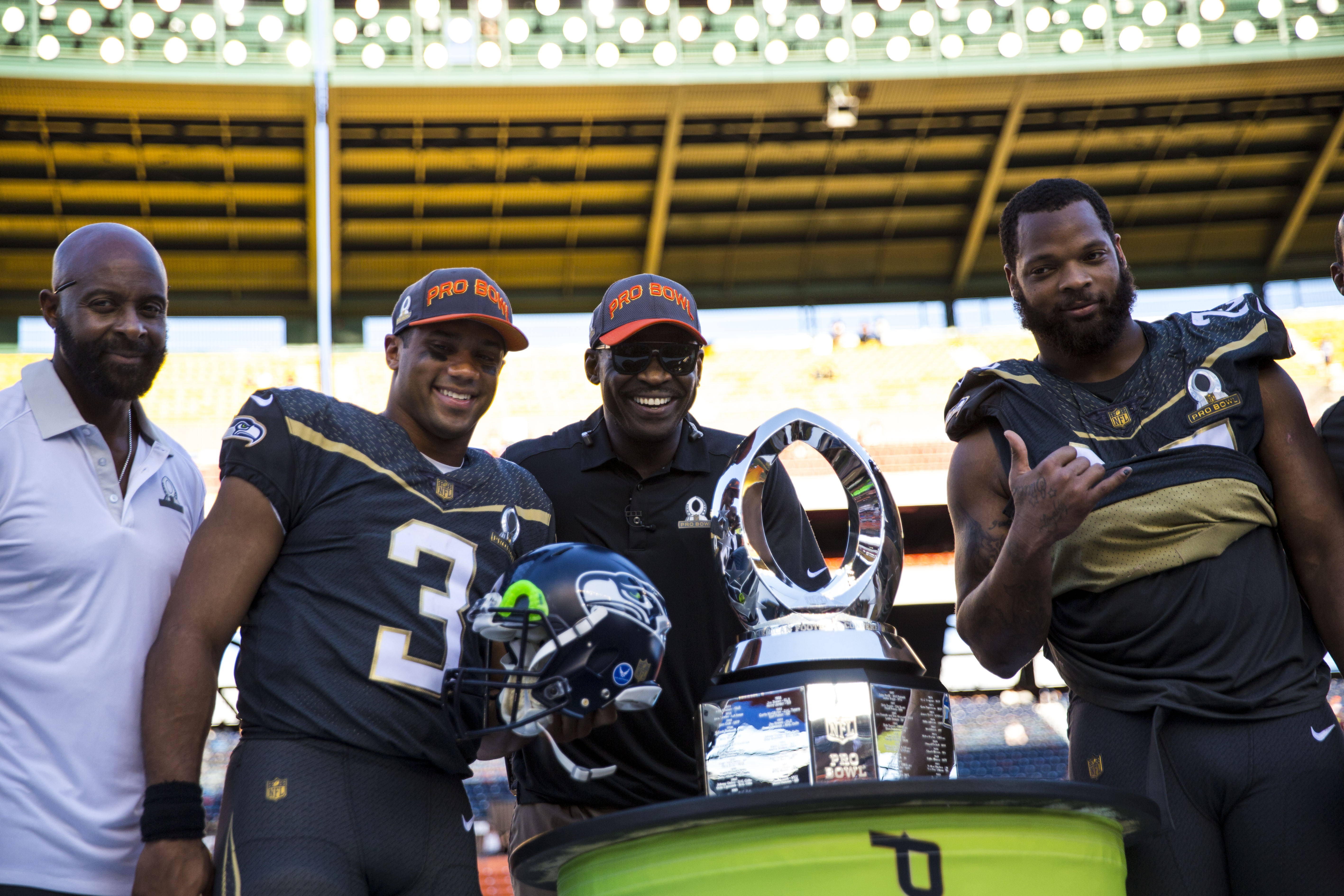 Russell Wilson Throws 3 TDs In 49-27 Pro Bowl Victory – CBS Detroit