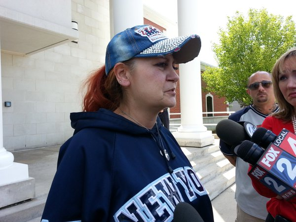 The victim's mother, Carrie Bommarito, speaks to reporters. (credit: Jon Hewett/WWJ)