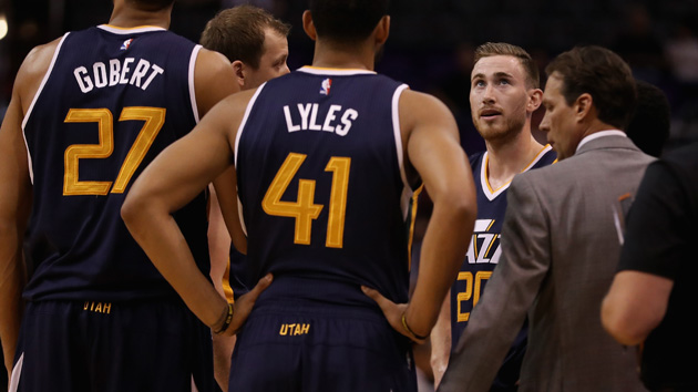 PHOENIX, AZ - OCTOBER 05: Gordon Hayward #20 (second from right) of the Utah Jazz stands with teammates in a huddle during the first half of the preseason NBA game against the Phoenix Suns at Talking Stick Resort Arena on October 5, 2016 in Phoenix, Arizona. NOTE TO USER: User expressly acknowledges and agrees that, by downloading and or using this photograph, User is consenting to the terms and conditions of the Getty Images License Agreement. (Photo by Christian Petersen/Getty Images)