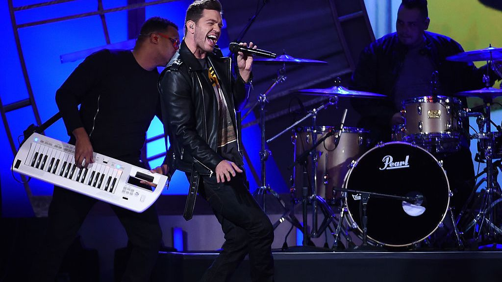 af68e2c3 Andy Grammer To Play Halftime Show At Detroit Lions Thanksgiving ...
