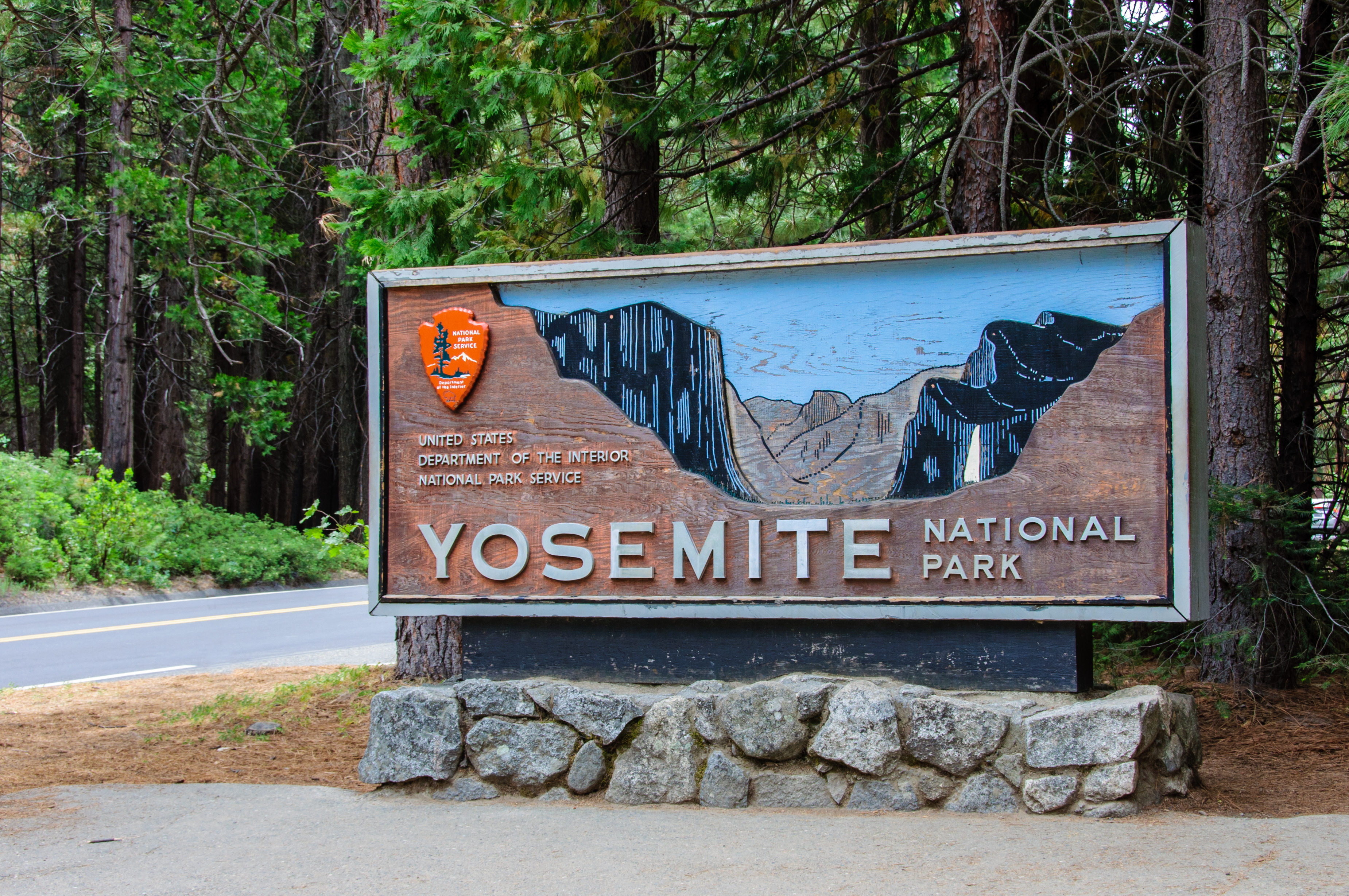 21-Year Old Man Dies After Falling Near A Waterfall In Yosemite Park