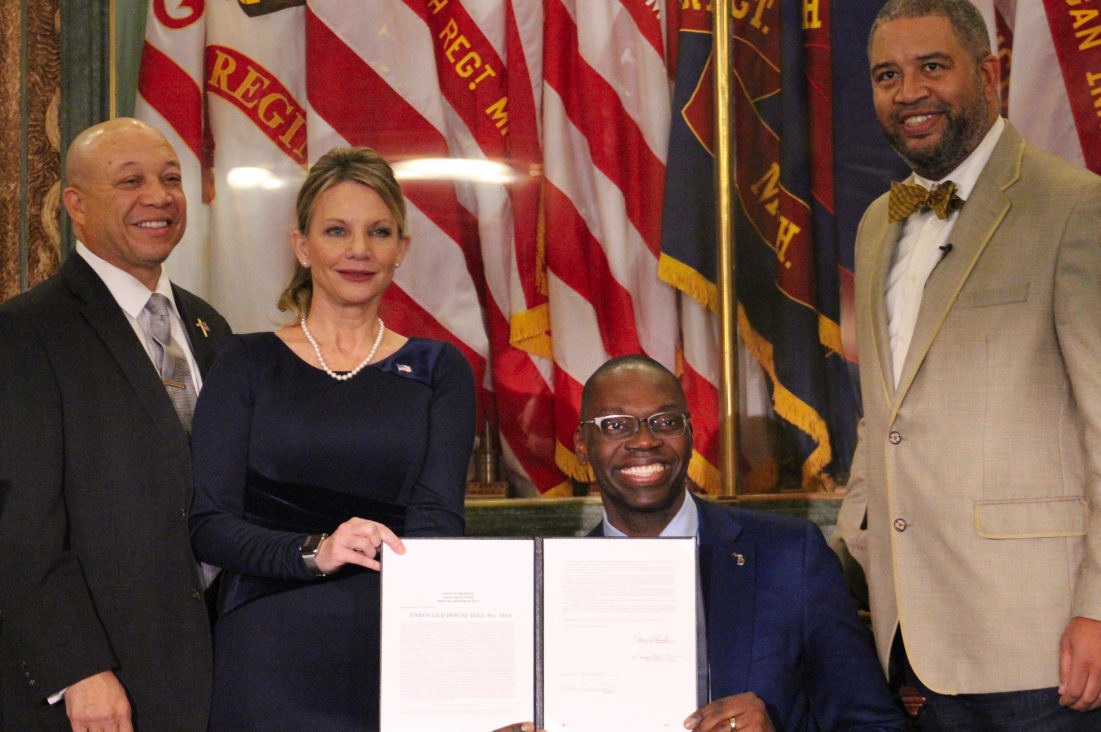 Lt Governor Garlin Gilchrist Signs First Bill As Acting Governor Cbs Detroit