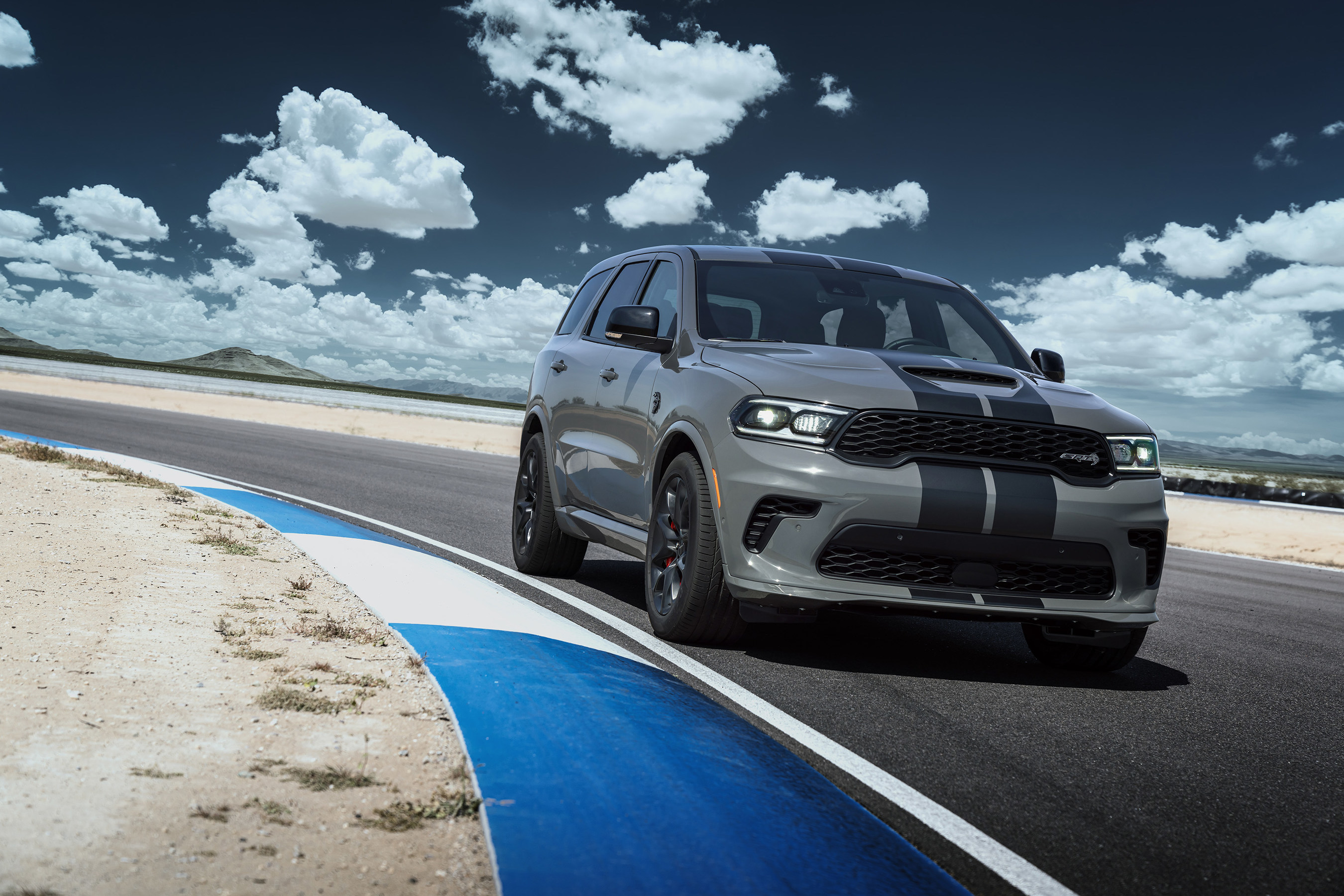 Dodge Opening Dealer Orders For New 2021 Durango Srt Hellcat Cbs Detroit